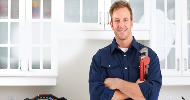 5 Big Advantages Of Hiring A Professional Plumber